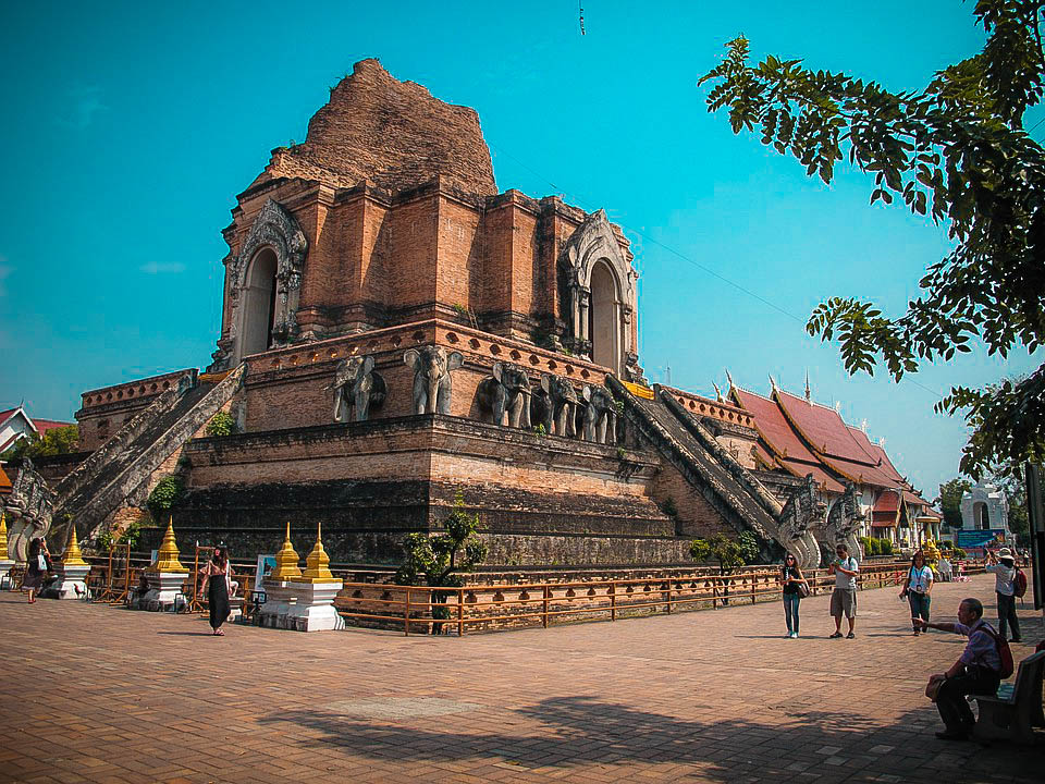 Wat Chedi Luang, Tailandia
