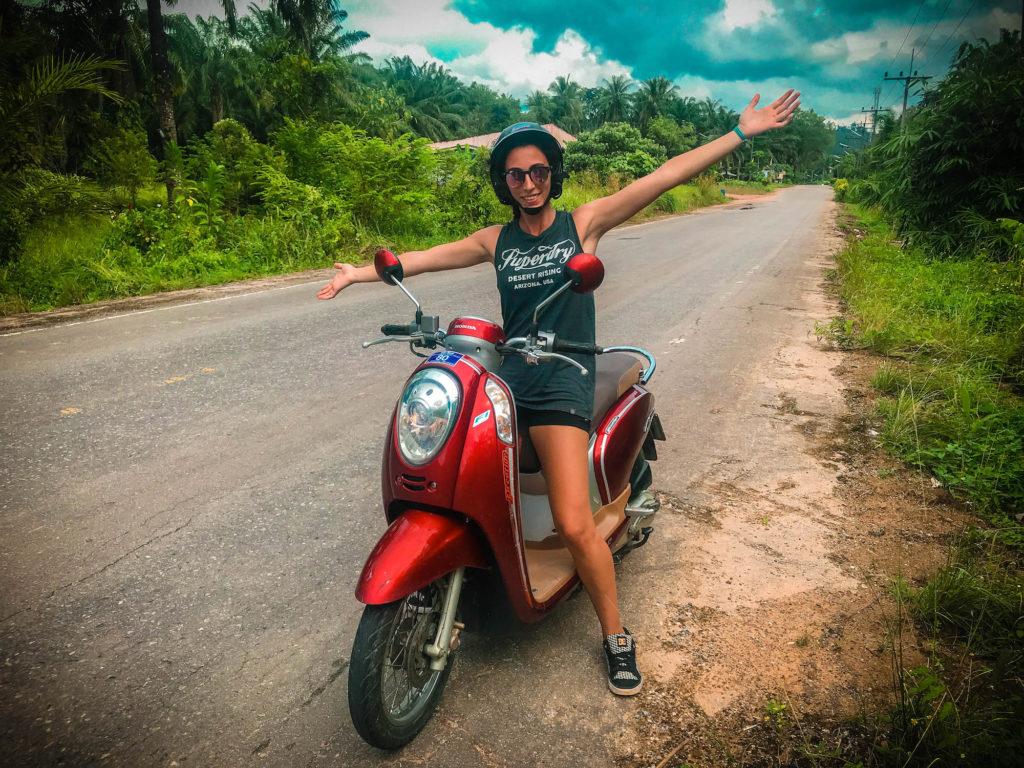 Alquilar moto en Krabi